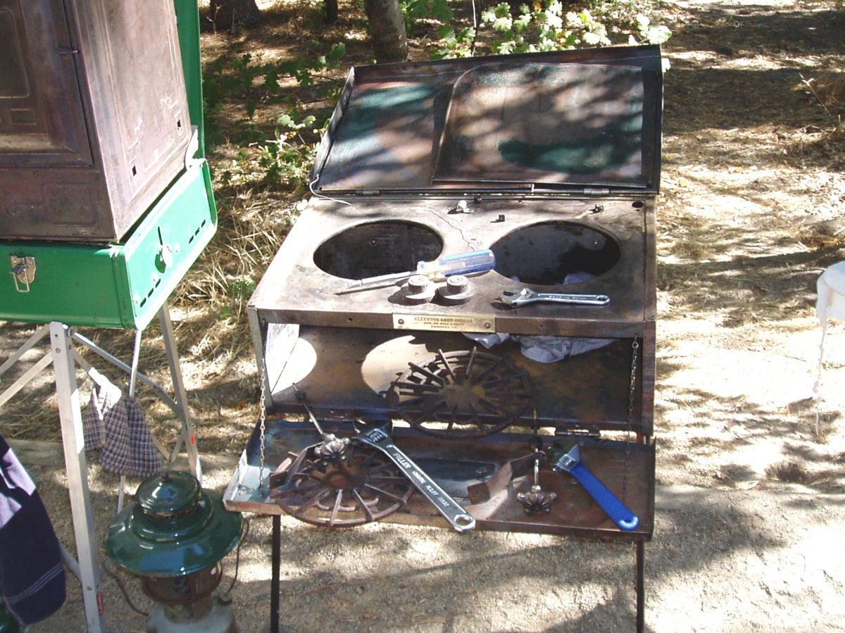 10-gutted stove.jpg
