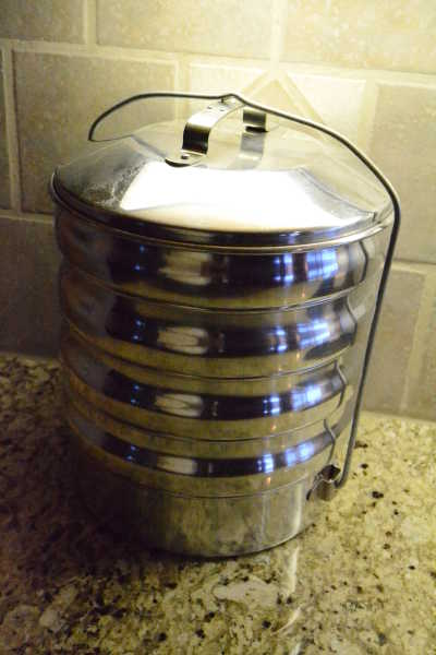 Regal Food Tote Classic Camp Stoves