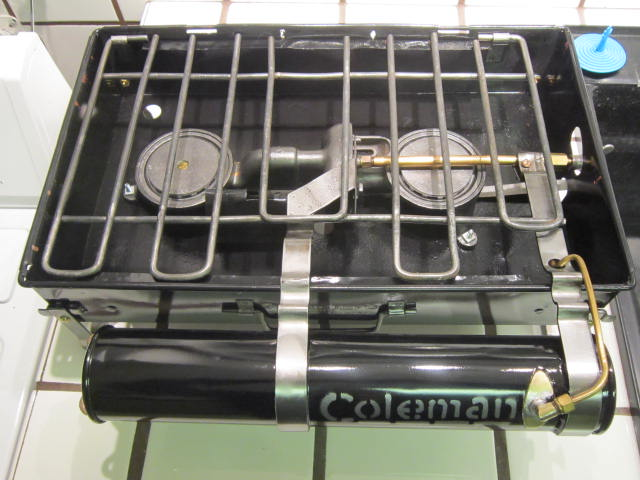 1387421284-Canadian_Camp_Stove_model_2_A__nearly_complete_018.JPG