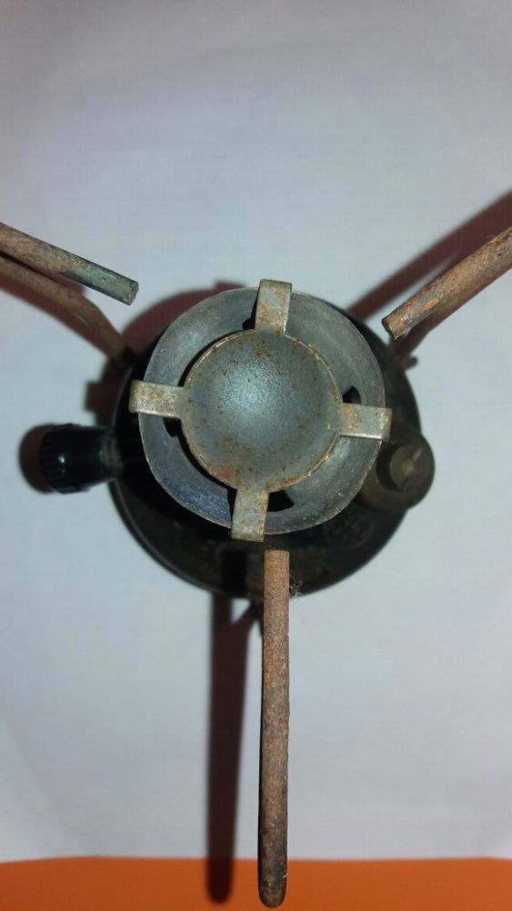 Arara-37-with-pot-stands-and-plastic-knob-3.jpg