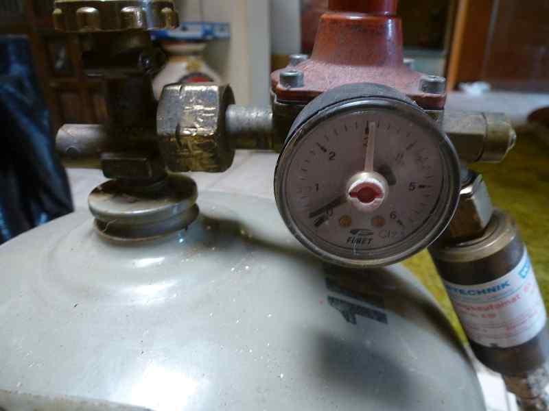 BEC Kern 1909 Gas Heizung 08 ccs.jpg