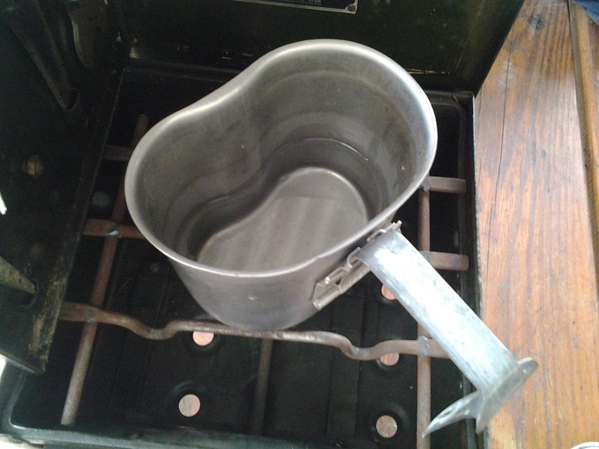 stove field petrol t first cookup 1 mug water 5 mi.jpg