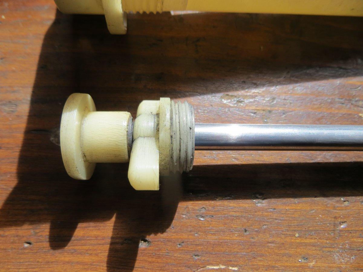 Tacoma white pump, complete disc 394.JPG