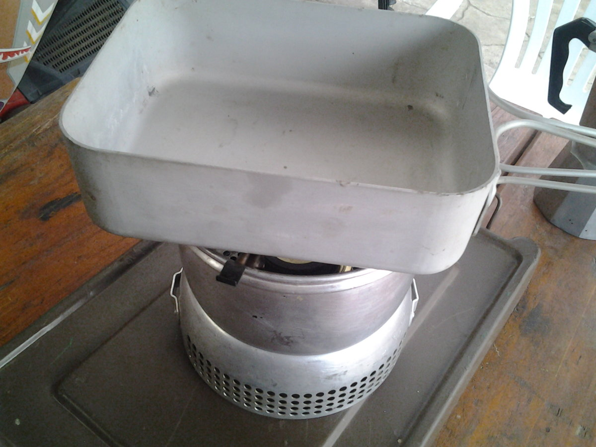 trangia kit army dixi on pan stand off.jpg